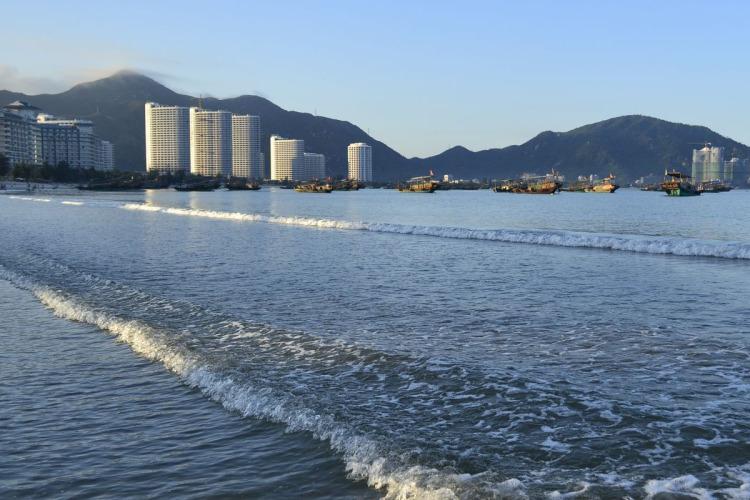 【巽寮灣2天】出海捕魚、快艇踏浪、植物園踏青、5A級景區-惠州西湖、品特色客家風味宴