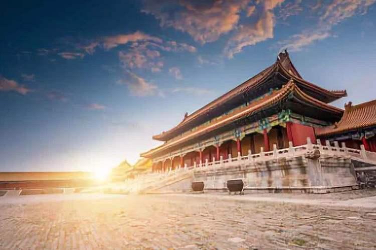 五一线路:【坐上高铁去北京】北京故宫、颐和园、八达岭长城高铁纯玩三日游(泰安起止)