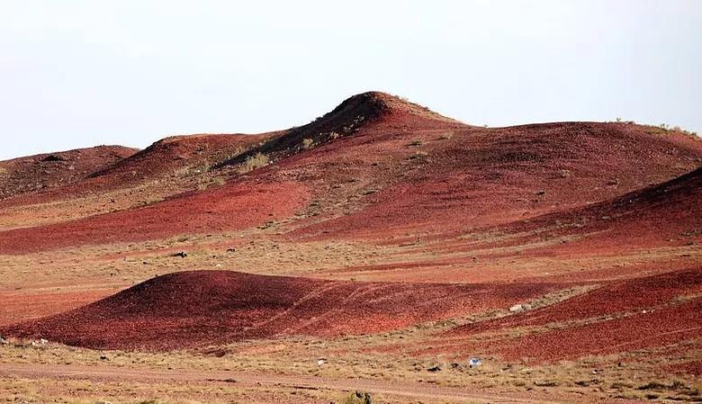 乌鲁木齐、人间瑶池天山天池、吐鲁番坎儿井、火焰山、库木塔格沙漠、双飞5天